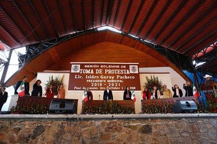 71_273_24554_340595126_01_10_18_SESION SOLEMNE PARA LA TOMA DE PROTESTA DEL LIC ISIDRO GARAY PACHECO COMO PRESIDENTE MUNICIPAL DE PINAL DE AMOLES_3