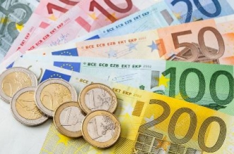 depositphotos_37334219-stock-photo-many-euro-banknotes-and-coins