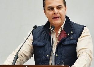 tono-mejia-entrega-becas-y-lentes-a-estudiantes-de-tequisquiapan-6